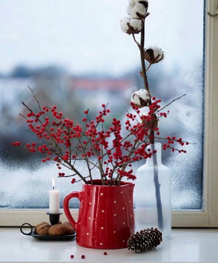 Cozy-Red-and-White-Window-Decor