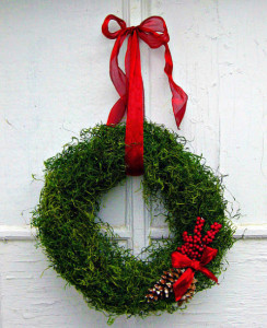 gallery-1446215101-moss-wreath