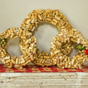 gallery-1446215272-cork-wreath