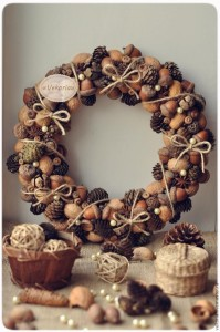 nut-and-acorn-wreath
